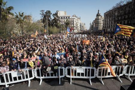 Catalonia-unrest-02