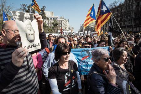 Catalonia-unrest-05
