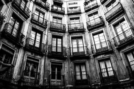 36 - Round square, Barcelona (2009)